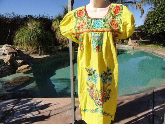 Vintage 1970s Mexican embroidered dress sundress yellow floral S/M cotton