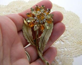Vintage amber rhinestone flower brooch gold tone