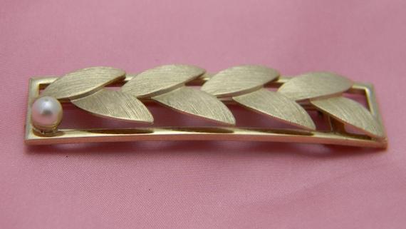 Sarah Coventry bar brooch pin vintage leaf pearl