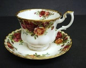 Vintage Teacup Set Old Country Roses - Royal Albert - England - Bone China - Collectible - Gift