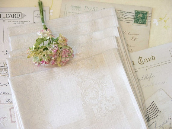 Set of Five Vintage Elegant Linen Napkins made in Belgium