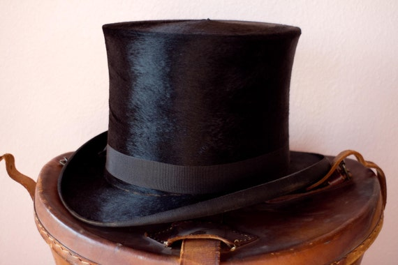 Antique Black Beaver Top Hat Leather Box . Mad Hatter . Amazing