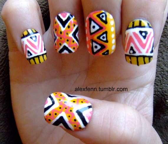 Zig zag hand painted tribal/aztec fake nails