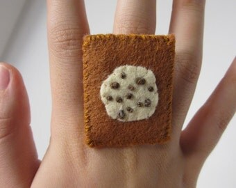 Felt Chocolate Chip Cookie Ring