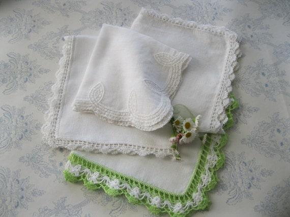 4 Vintage Handkerchiefs - Crochet - White - Cotton - Accessories