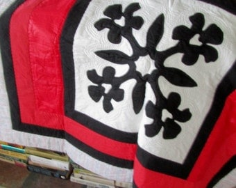 Hawaiian Quilt - Art Quilt - Black Orchid - Couch throw - Island Style - hand quilted - Vintage unused & handmade original - gift idea
