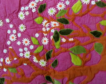 Art Quilt - Deal of the Day ! - Price Reduced - Appliqued Tree with daisies - Patchwork - Hand & Machine Quilted