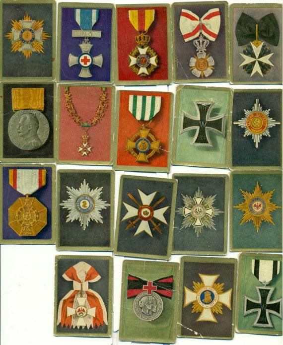 19 German Waldorf Astoria tobacco cards, circa 1940s