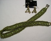 Empress Olive and Gold Choker and Earrings Set