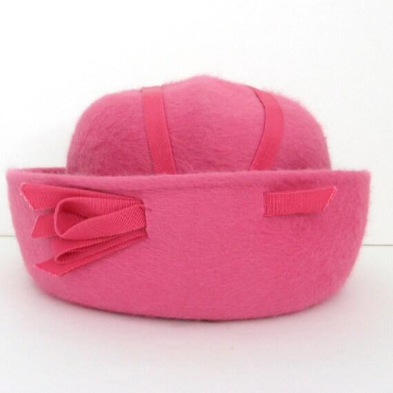 Vintage Pillbox Hat - 1950s Pink Rose with Grosgrain Ribbon - Medium Large