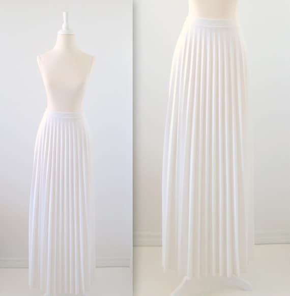 White Pleated Long Skirt