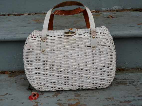 1950s Structured White Wicker Purse with Paisley Lining