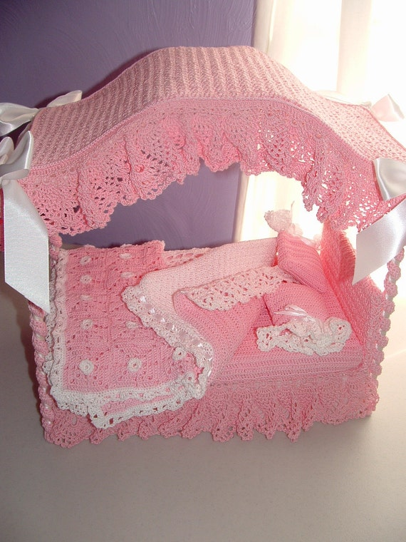 Barbie doll canopy bed in crochet, custom order only