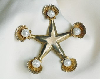 Mercedes Robirosa fashion designer starfish brooch with faux pearls