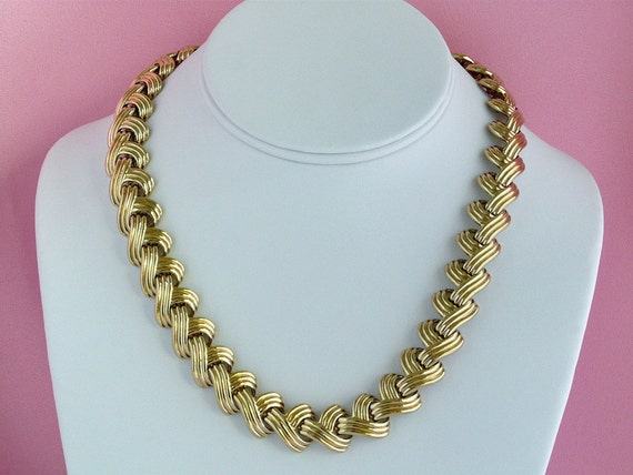 vintage Carolee gold tone choker necklace