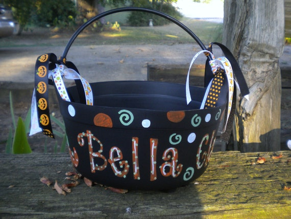 Hand Pianted Personalized Halloween Cauldron