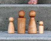 Large Dollhouse Peg Doll Wooden Family - Light (4-piece)