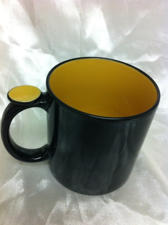 Vintage black and yellow  coffee mug / coffee cup