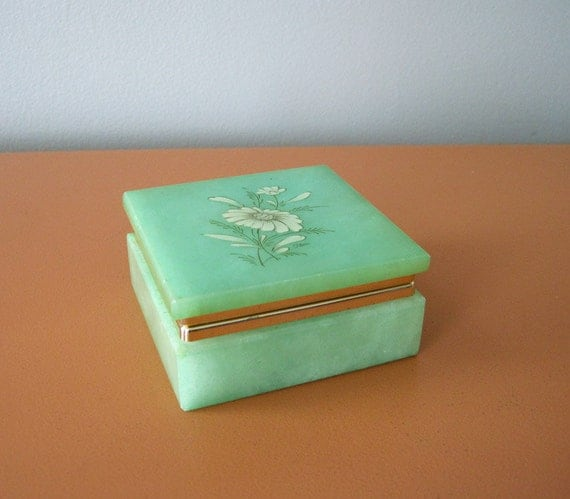 RESERVED for Yayoi - Vintage Green Hand Carved Alabaster Box, Made in Italy