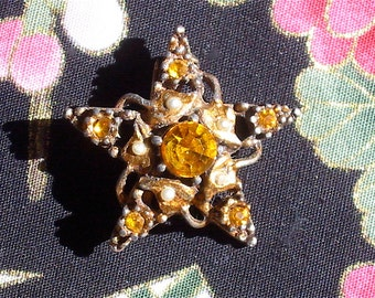Vintage Mini Topaz Rhinestone STAR Scatter Pin or Brooch