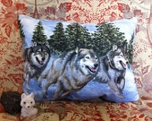 running wolf rectangle cushion / velvet