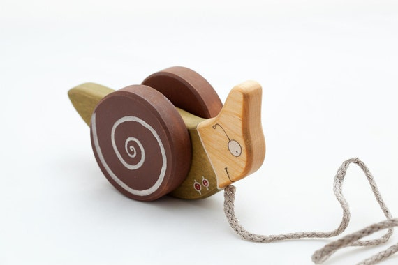 Wooden Pull Along Toy, eco-friendly  kids toy a Green Snail