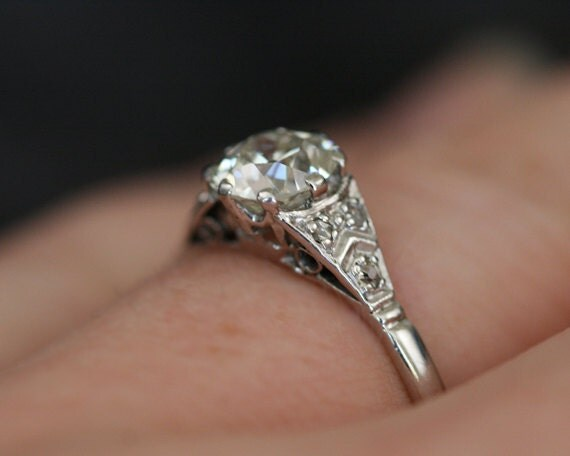 Items similar to Vintage Diamond & Platinum Solitaire Engagement Ring on