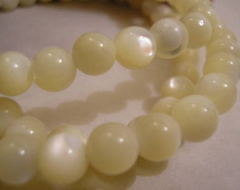 Vintage Hand Carved Mother of Pearl Necklace, Sultana, Hawaii