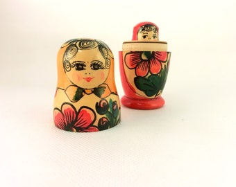 Vintage Matryoshka Dolls made in Russia, Russian nesting doll,Folk art doll