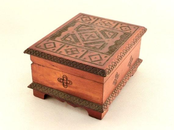 Vintage wooden jewelry box 70s