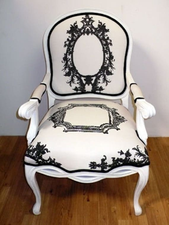 Antique Frame Fabric White Side Chair