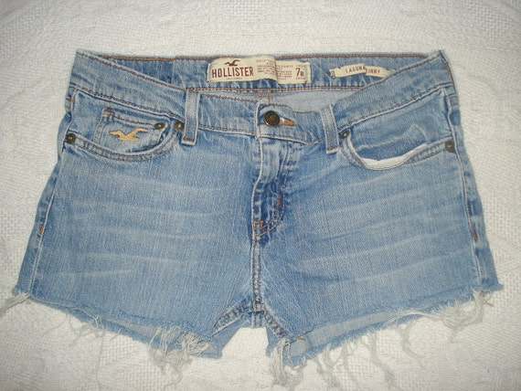Hollister Jeans Shorts Sexy Booty Shorts Hot Pants Size 7 Womens Cut Off Denim Shorts