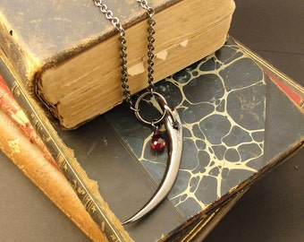 Black Fang Necklace - Blood Red Stone – Briolette – Fang Necklace – Vampire Fang Necklace - Vampire Jewelry - Vampire Pendant –Goth Necklace