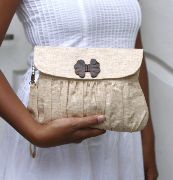 Clutch Purse Linen Caramel with Bow shaped wooden button