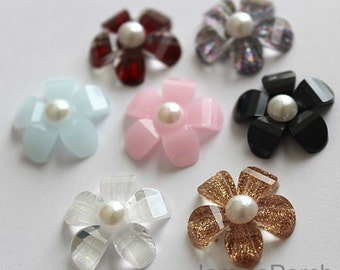 Sale..14pcs-21mm Diameter Faceted Daisy Flower Formica Cabochon With 14pcs Faux Pearls