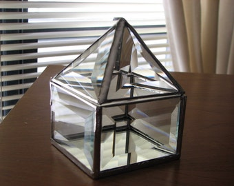 Clear beveled glass box 3 x 2 x 4.5 inches, with a pyramid lid
