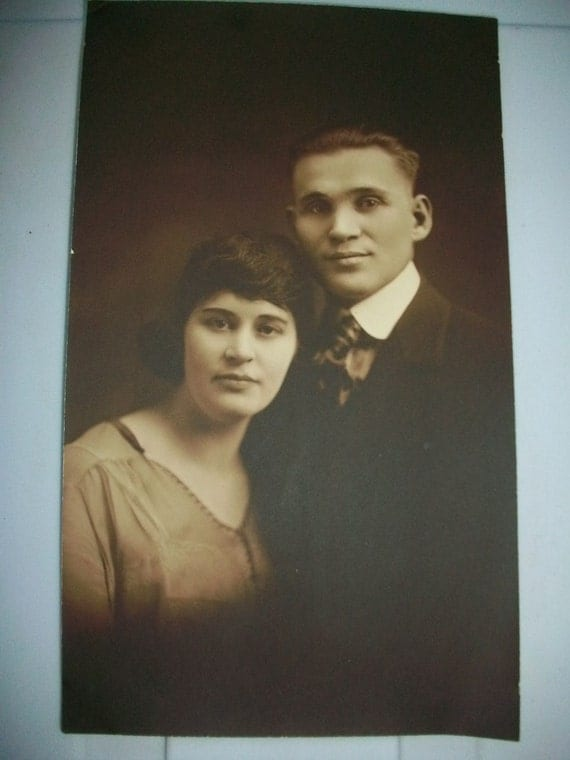 """1910s Photograph Another Happy Couple 9 3/4"""" x 5 3/4"""""""