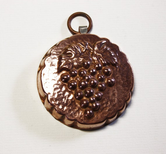 MINIATURE ANTIQUE COPPER Pastry Mold Grapes from France