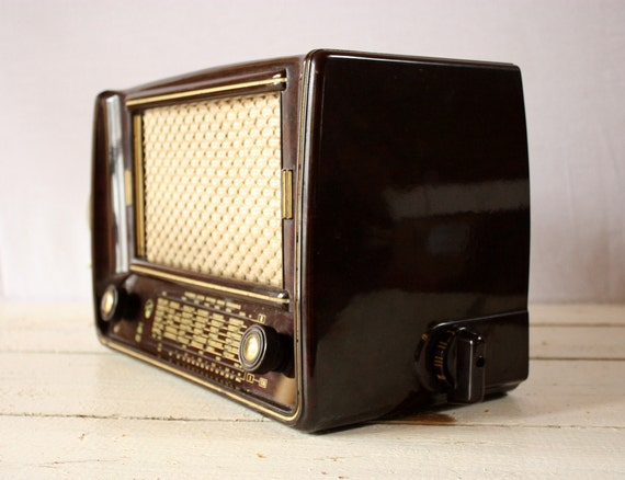 LOVELY Little Vintage German BAKELITE RADIO 1953 - Loft deco