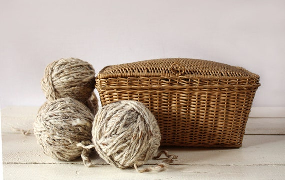 Lovely Vintage  little French woven WORKBASKET