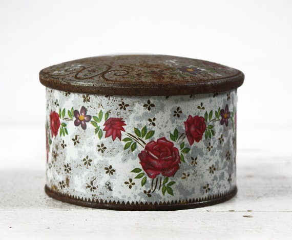 Old  LITTLE french TIN Box Flowers Shabby chic