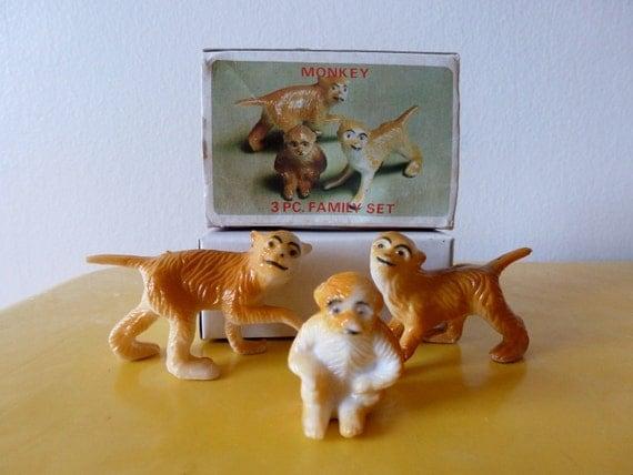 Vintage Monkey Family
