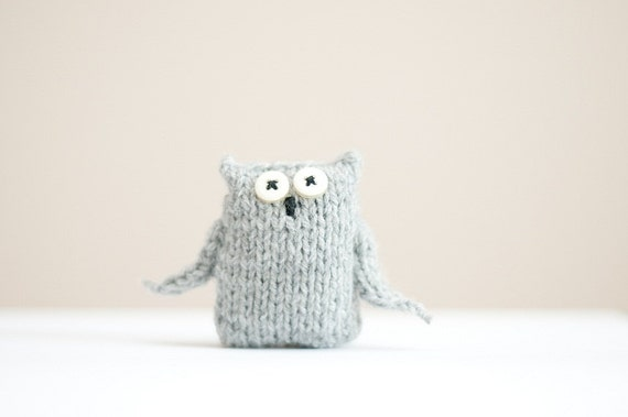 little gray knitted owl pin brooch