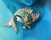 vintage beta fish brooch, green and silver tone, summer jewelry, nautical jewelry, maritime jewelry,