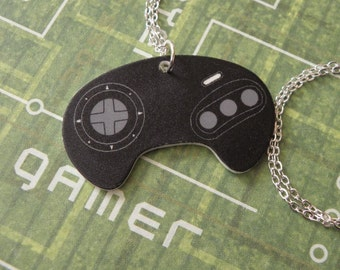 FAULTY STOCK - Girl Gamer Sega Video Game Controller Necklace - Geeky Video Games Jewellery - Gaming Geek Jewelry
