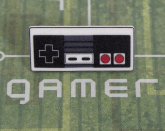 GAMER Nintendo NES Video Game Controller Tie Pin Tack - Geeky Video Games Accessories - Men's Gaming Geek Accessories Gifts