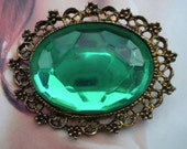 80's Vintage Large oval Faux Emerald  & gold tone Pin