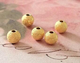 6 mm Golden Plated Round Stardust Metal Bead (.mu)