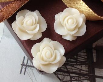 21 mm White Colour Rose Resin Flower Cabochons (.ag)