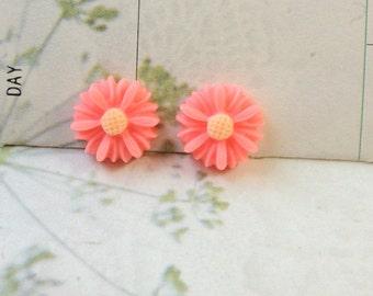 13 mm Pink Colour Little Chrysanthemum Resin Flower (.ss).